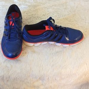 Adidas 10.5 men's running shoes in great shape